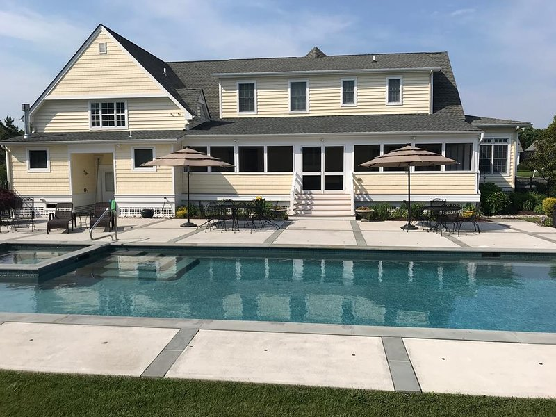 Large Home With Pool 134195 Has Air Conditioning And Grill