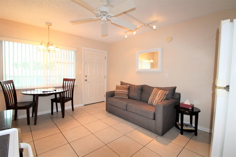 Bedroom Apartment In Madeira Beach