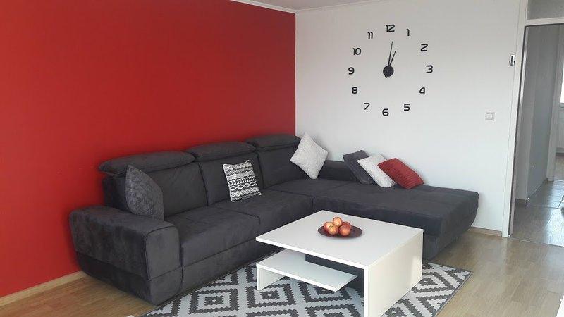Newly renovated very comfortable and spacious apartment in Sarajevo., holiday rental in Semizovac
