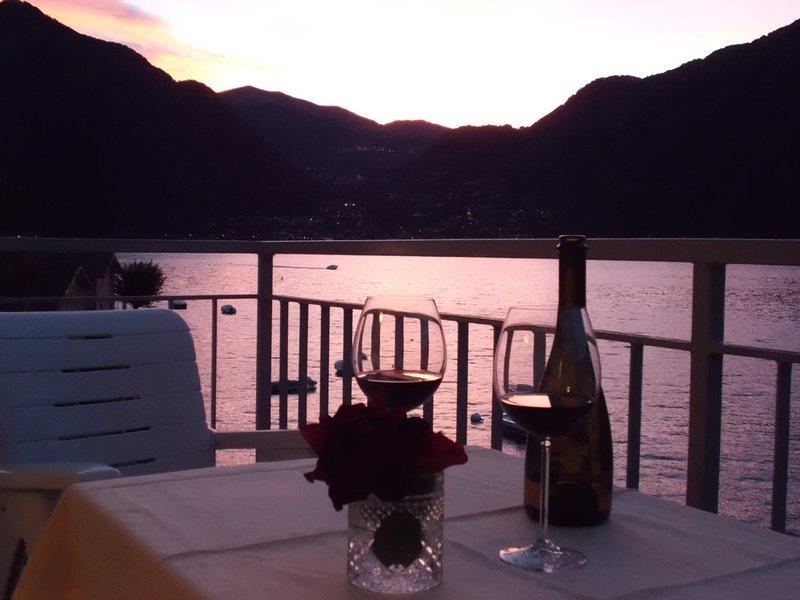 Bellagio Villas - Il Trovatore with balcony directly on the Lake, vacation rental in Lezzeno