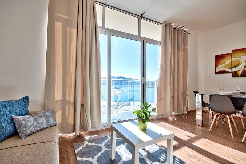 Valletta Bastion Views Sliema Apartment, holiday rental in Sliema