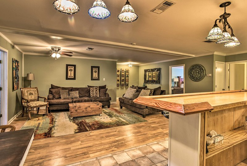 Escape to Corpus Christi and stay at this well-appointed apartment for 10.