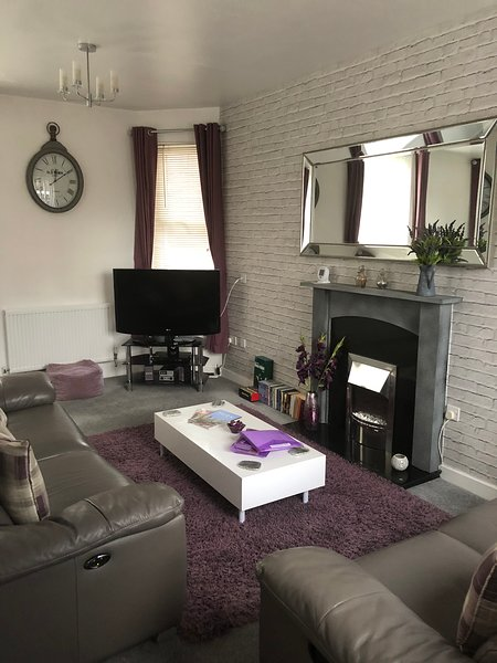 Peaceful Luxury Townhouse in York City Centre with parking, vacation rental in York