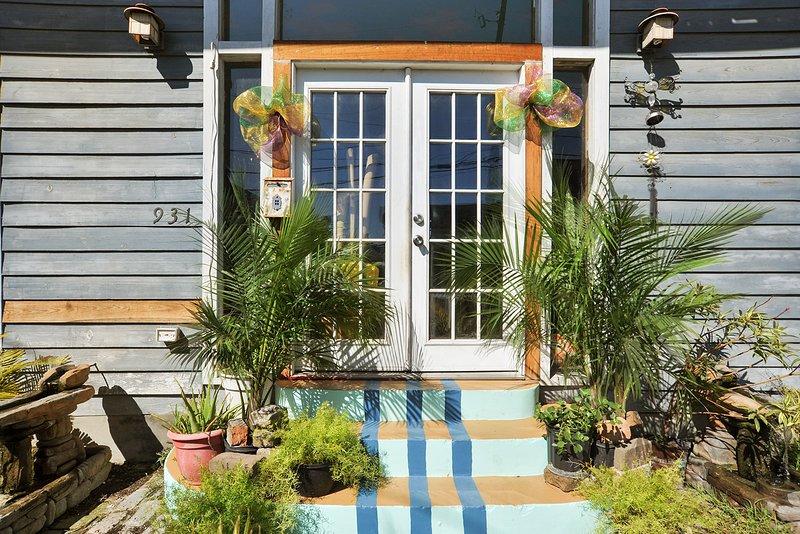 Front door/facade