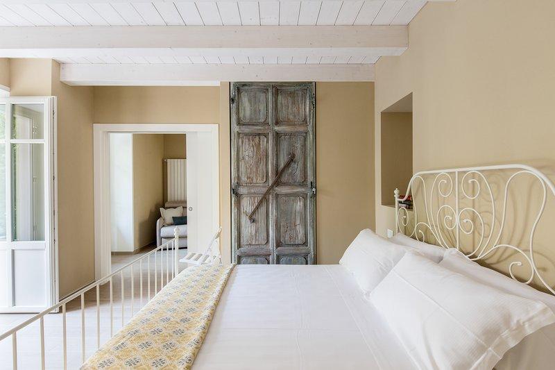 NUOVO RESIDENCE-APPARTAMENTI DI VACANZA IN CENTRO CANNERO SUL LAGO MAGGIORE, vacation rental in Cannero Riviera