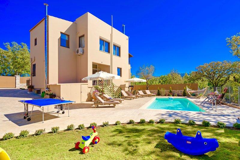 Villa Giorgos, holiday rental in Kastellos