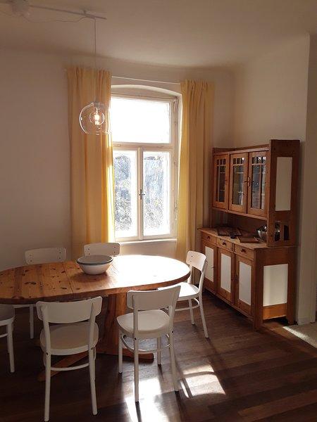 Sonnhof Ressl Klassik Appartement - Wohnen im Grünen nahe Wien, holiday rental in Oberkirchbach