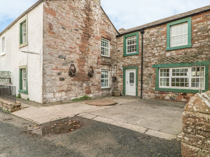 SMITHY COTTAGE,WiFi,open fire, in Tirril Ref 972439, alquiler vacacional en Penrith
