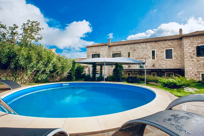 Borgo Antico XIX sec., vacation rental in Province of Medio Campidano