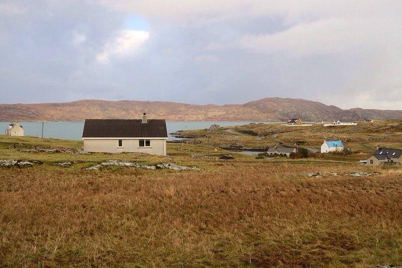 Holiday Cottage in Isle of Eriskay, holiday rental in Castlebay