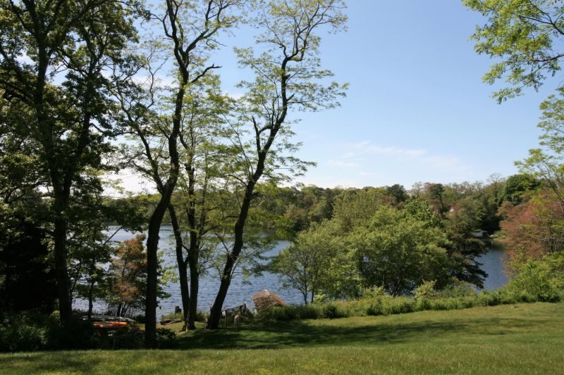 Peaceful Views and Lakefront Living on Crystal Lake, location de vacances à South Orleans
