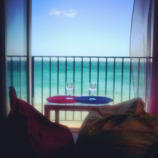 Front beach apartment in Salema, holiday rental in Salema