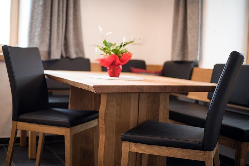 Tavolo da cucina in legno di alta qualità
