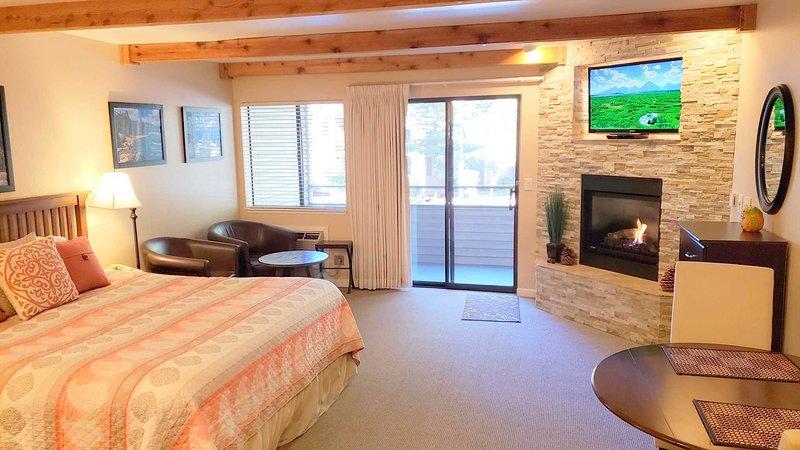 Récemment rénové avec lit King et foyer contrôlé par thermostat