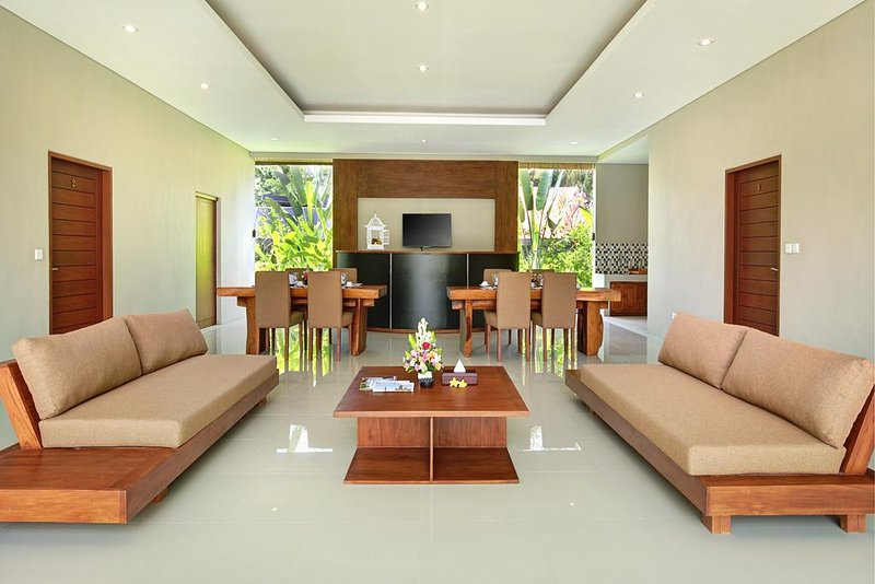 4 Bedroom with Private Pool and Free Benefit, vacation rental in Ubud