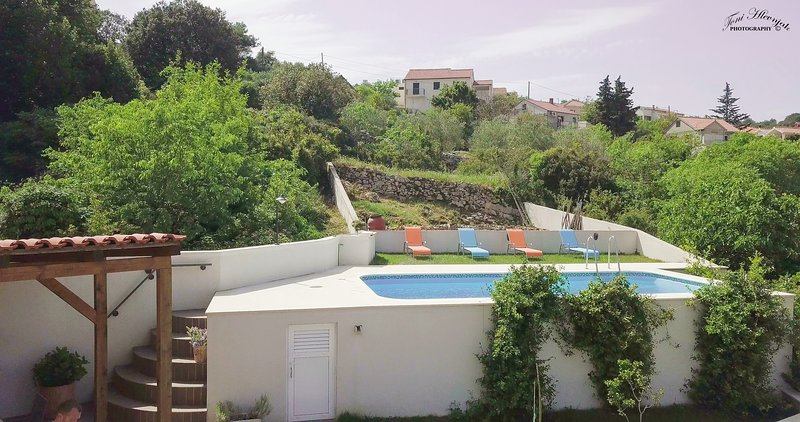 Villa Green Garden - Three Bedroom Holiday Home with Private Pool (ST), holiday rental in Splitska