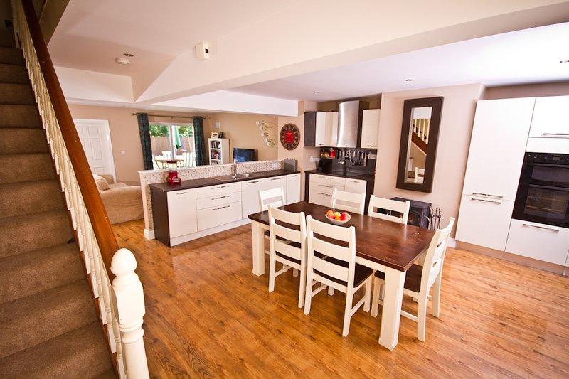 Boru Haven | Stylish decor | WiFi, Netflix, Nespresso, Xbox 360 | near Cashel, location de vacances à Thurles