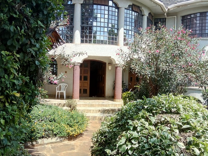 Casa G Garden suite- Fully private, cozy nook, alquiler vacacional en Central Province