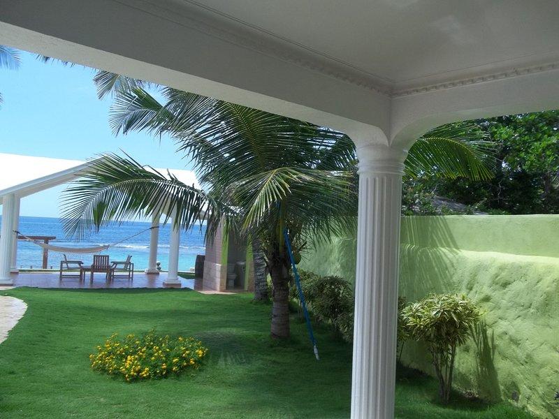 Villa Santos, vacation rental in Cumayasa