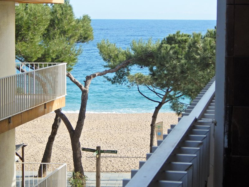Apartment in Platja d'Aró downtown with WiFi and sea views - BELLAVISTA, vacation rental in Platja d'Aro