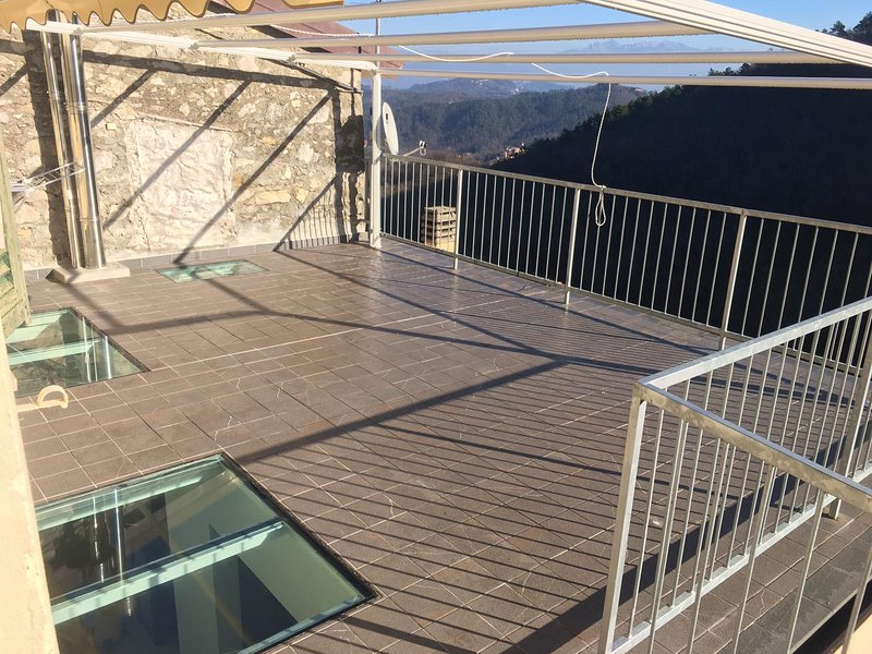 Amazing house with mountain view, vacation rental in Ricco del Golfo di Spezia