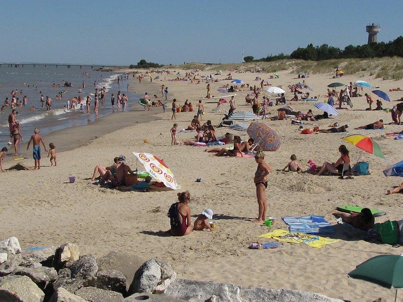 la playa de la chambrette a 1 km. Snsm monitoreado.