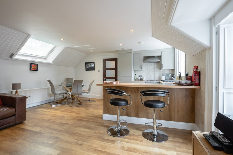 SOCAIR   A LUXURIOUS SELF CATERING APARTMENT IN CALLANDER,THE TROSSACHS,SCOTLAND, holiday rental in Stirling