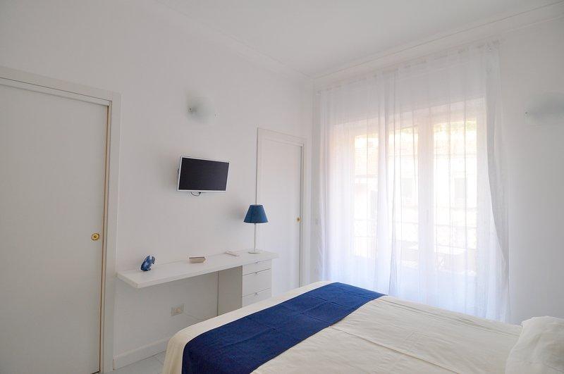 IRIS Amalfi Dreams - Indipendent Master Bedroom, aluguéis de temporada em Minori