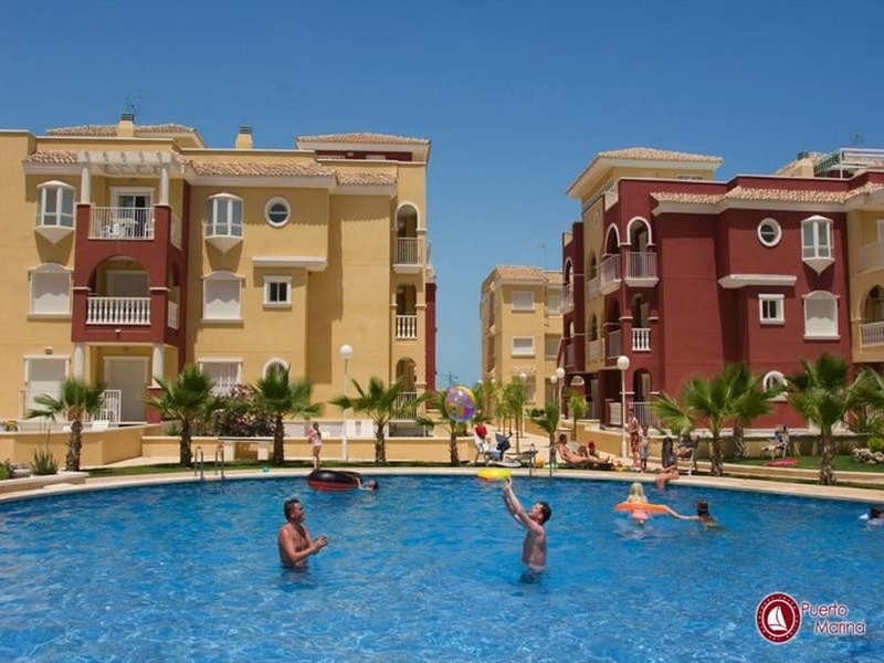 Puerto Marina well decorated 1st floor 2 Bedroom Apartment with C/Pool T, vacation rental in El Carmoli