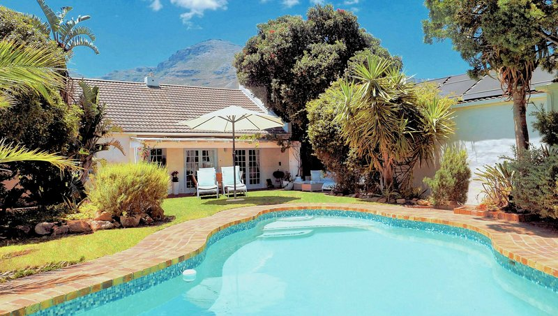 Hout Bay Beach Cottage - 100 meters from the beach, holiday rental in Hout Bay