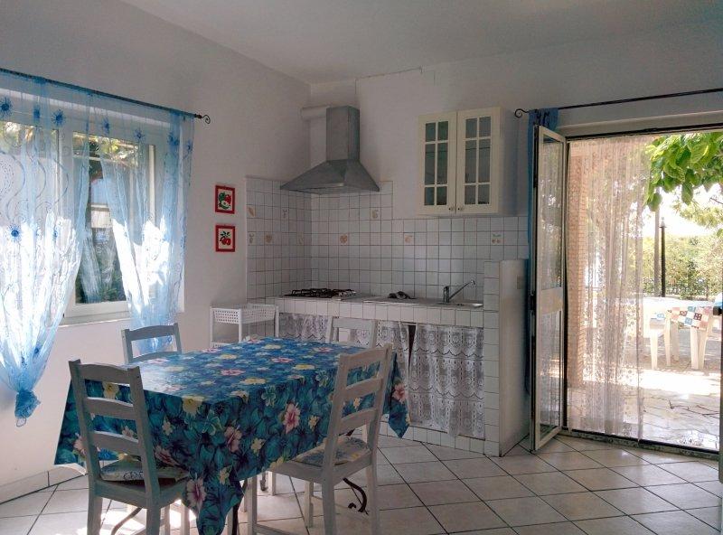 Beach Front House in Gaeta #2, aluguéis de temporada em Gaeta