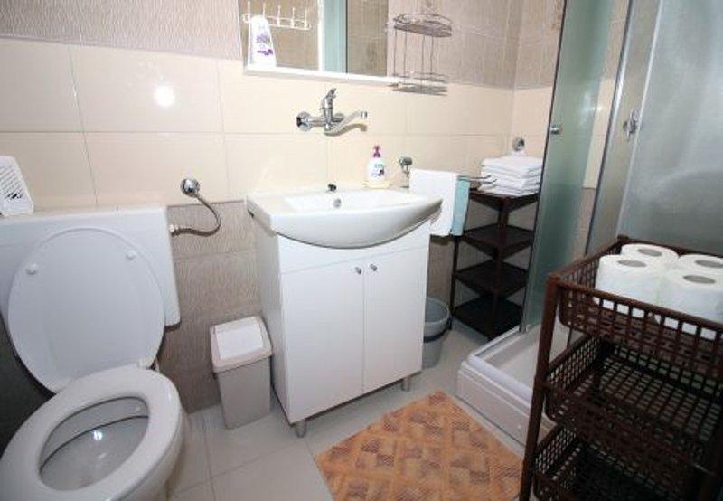SA7 (2): bagno con wc