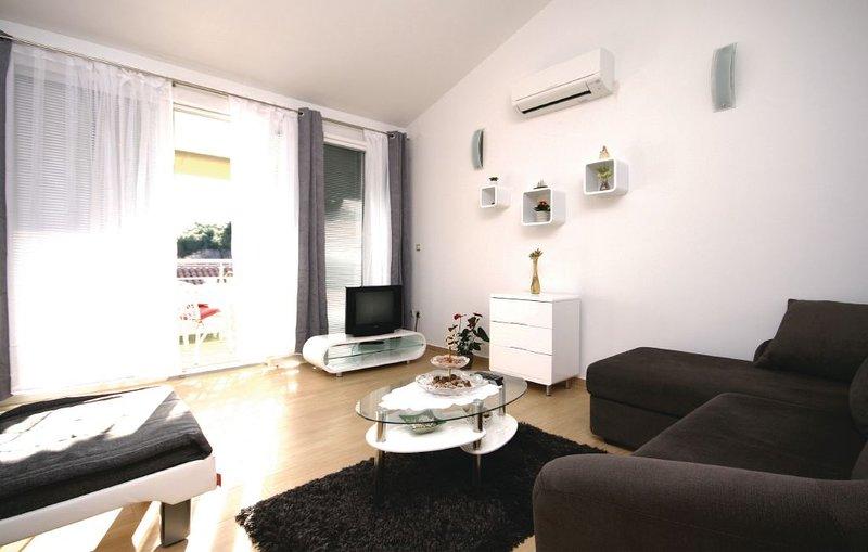 Duplex apartment Jadris, vacation rental in Jadrija