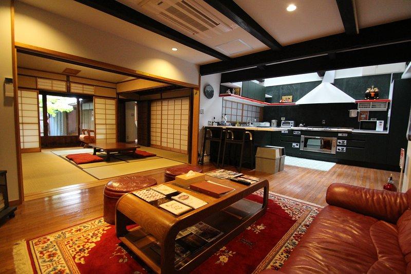 Salas amplas para fácil locomoção e conforto.