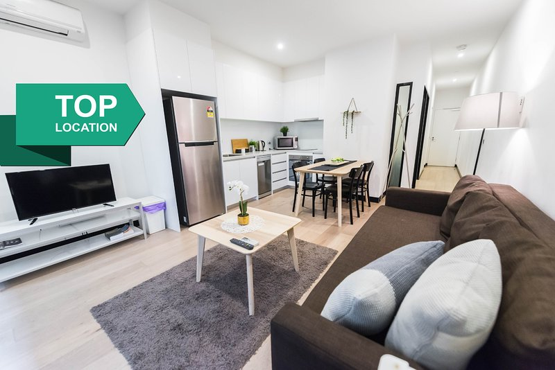 Central Heating Balcony Rental In Melbourne