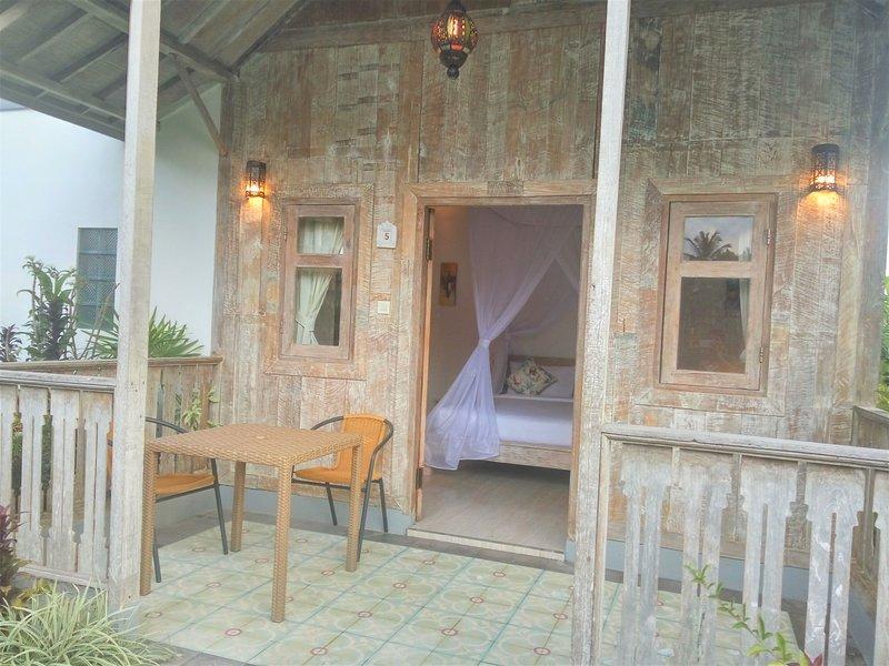 Ubud Glassy Wooden Romantic Villa, location de vacances à Mas