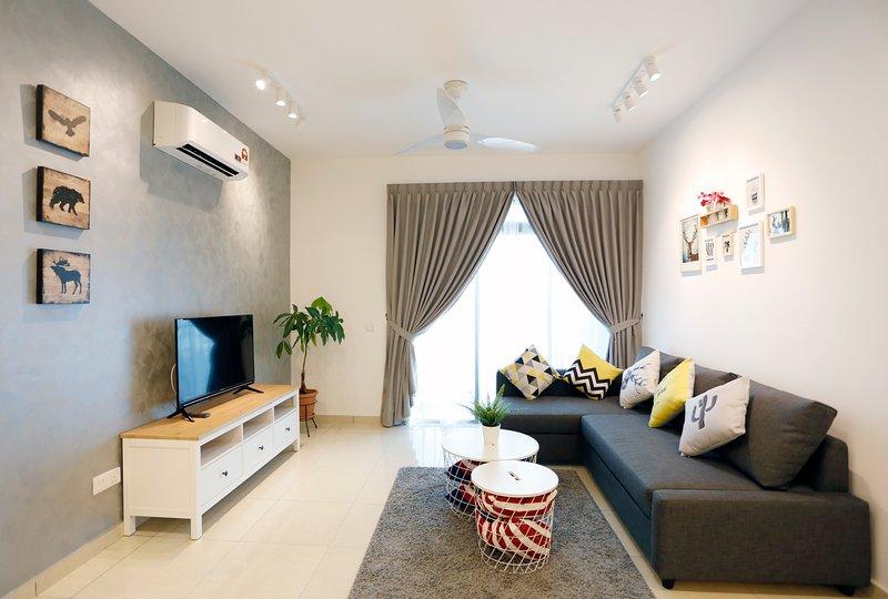 Johor Bahru ★ Bukit indah ★ 10 mins to Tuas & Legoland ★ 17, vacation rental in Yong Peng