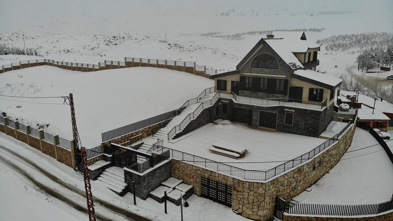 Chalet de Charme (entire Chalet), holiday rental in North Governorate
