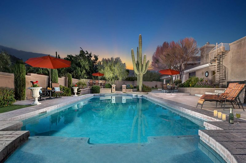 Stunning, secluded home w/pool, jetted tub, lavish backyard oasis, vacation rental in Carefree