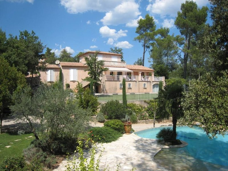 Amazing villa with swimming-pool, holiday rental in Bras