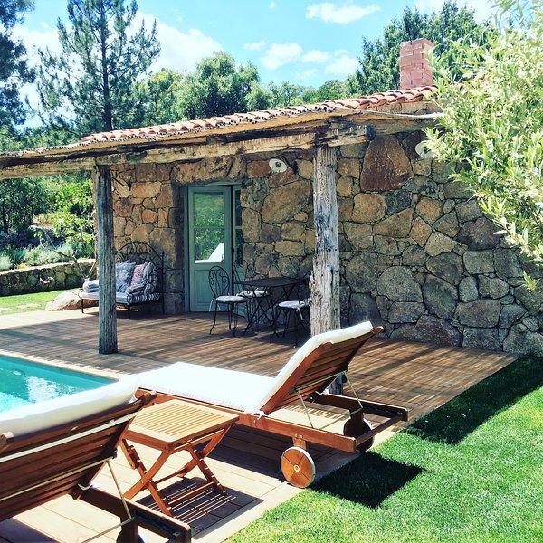 Casa Zia Lucia, Bergerie avec piscine, Porto Vecchio, proche plage Santa Giulia, holiday rental in Santa Giulia