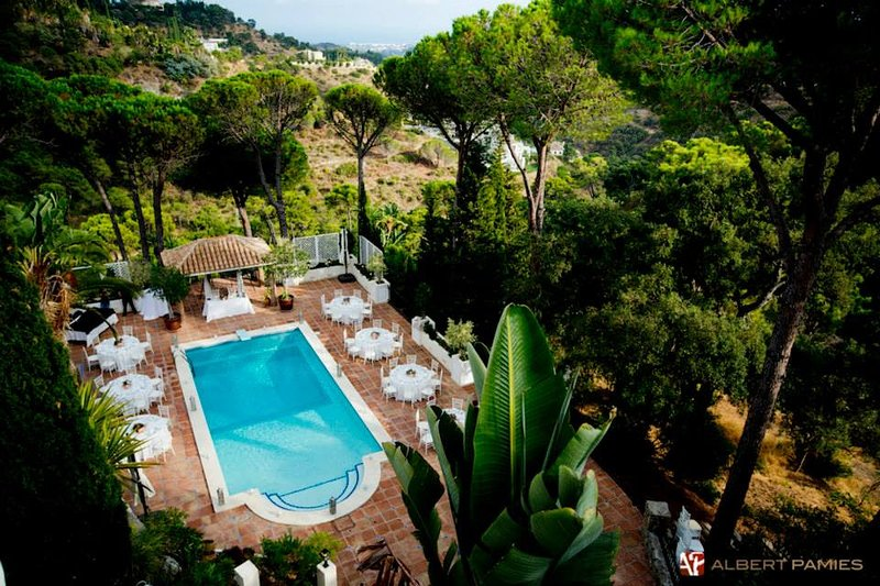 10 bed Villa, Heated pool, near Marbella Great for familys, Weddings, events, vacation rental in Marbella