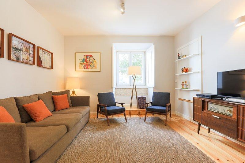 Ampio salone con mobili di alta qualità