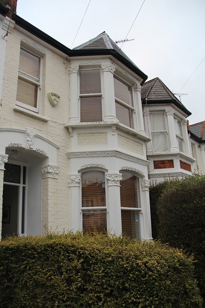 Alexandra House, a typical Victorian terrace house in London, vacation rental in Hampton Hill