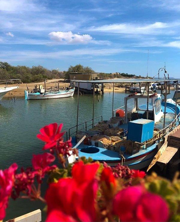 Puerto Pesquero Liopetro Potamos. Uno de los lugares más bonitos de la isla.