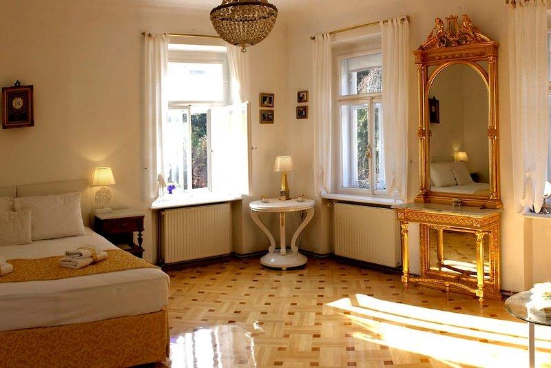 Este apartamento está idealmente ubicado en el corazón histórico de la ciudad. Encanto, impresionantes vistas.