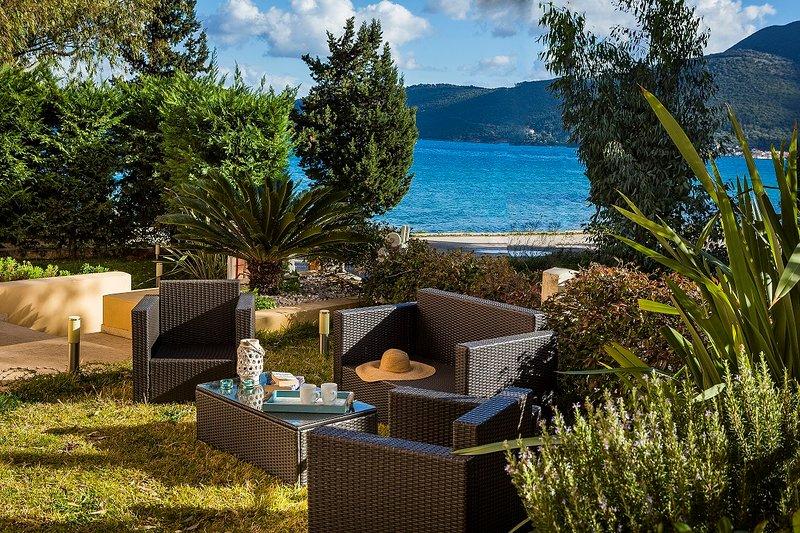Apartment Lilly, seaside apartment with communal pool, ideal for a family of 4, aluguéis de temporada em Sami