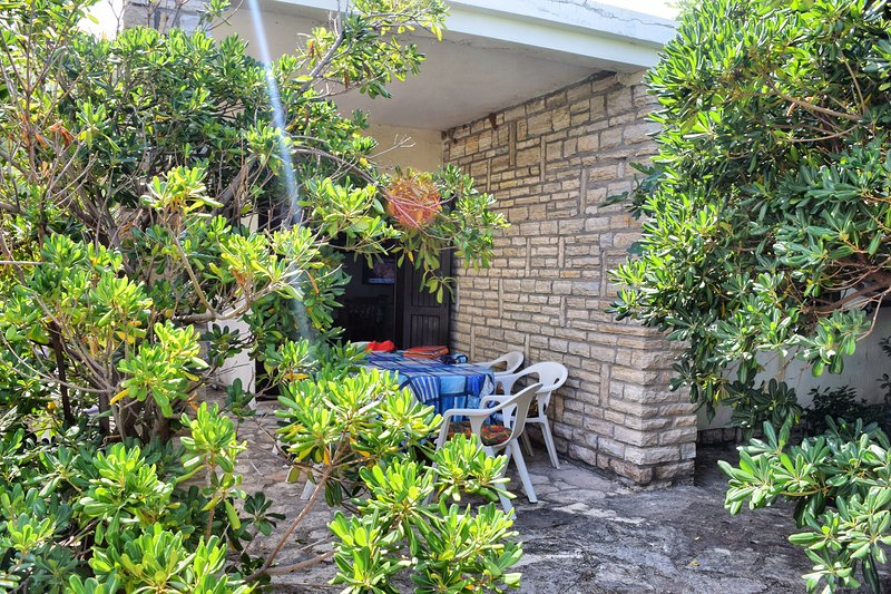 Family House Pag, holiday rental in Pag