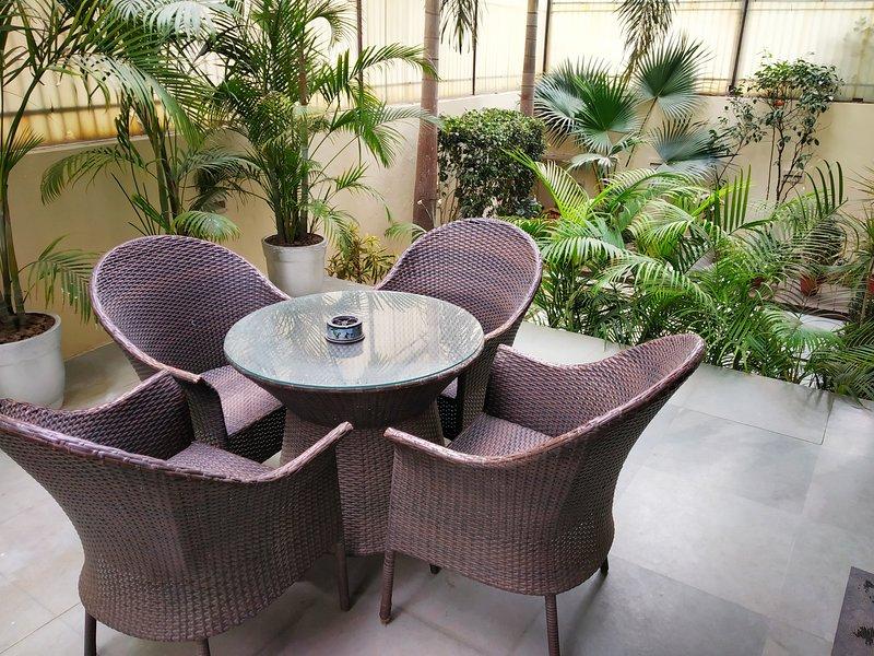 Geniet van thee / koffie / ontbijt in uw eigen tuin