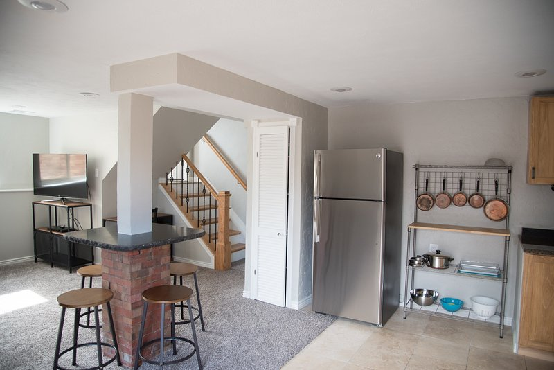 Green Mountain Cozy Private Suite with Prime Access to the